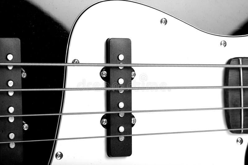 Fim da guitarra baixa acima imagem de stock