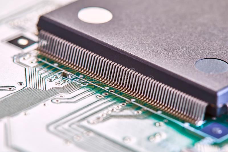 Fim da placa de circuito eletr?nico acima Placa de circuito da alta tecnologia imagem de stock royalty free
