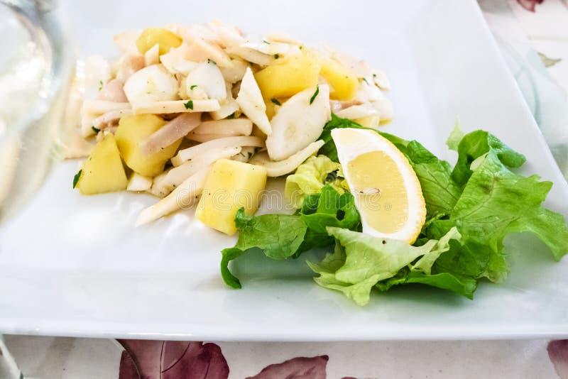 fim de di Polpo do insalata (salada com polvo) acima imagens de stock royalty free
