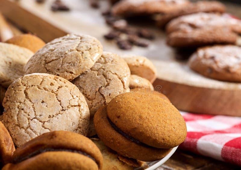 Fim de Macaron do petisco das cookies de farinha de aveia acima foto de stock royalty free