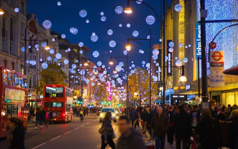 Fim de semana de Black Friday em Londres a primeira venda antes do Natal Rua de Oxford imagem de stock royalty free