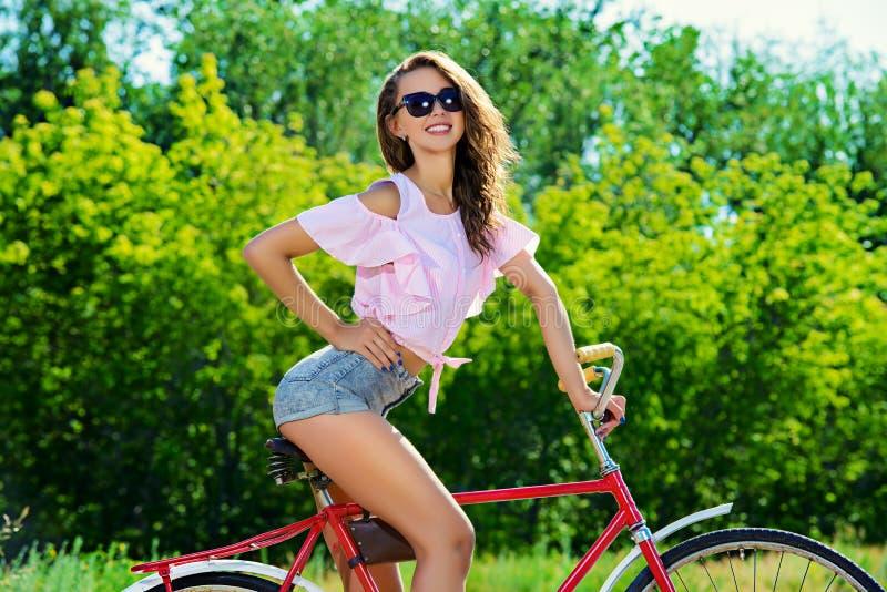 Fim de semana em uma bicicleta fotografia de stock royalty free