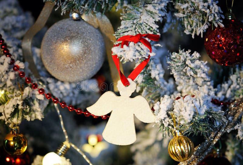 Fim do anjo do Natal acima imagens de stock
