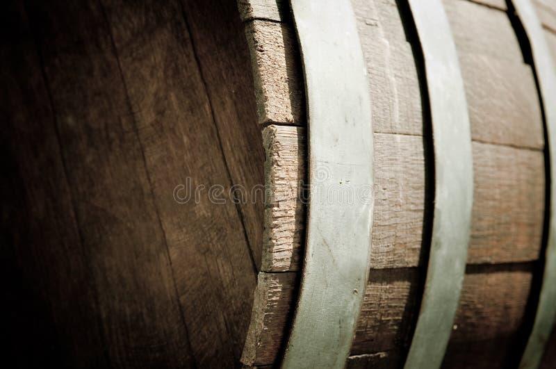Fim do tambor de vinho do carvalho acima fotos de stock royalty free