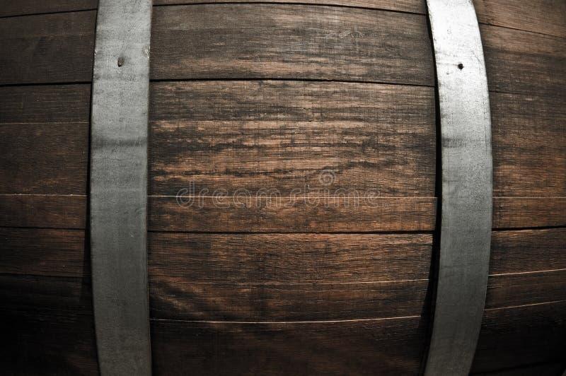 Fim do tambor de vinho do carvalho acima fotos de stock