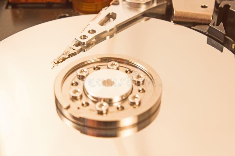Fim interno do mecanismo do disco rígido acima fotos de stock royalty free
