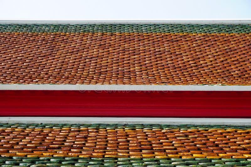 Fim tailandês do telhado do templo acima foto de stock royalty free