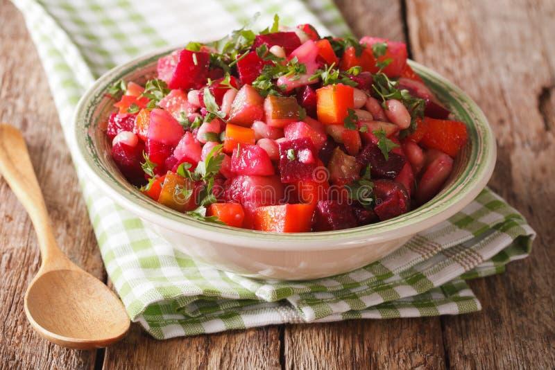 Fim vegetal da salada do russo caseiro acima horizontal fotos de stock royalty free