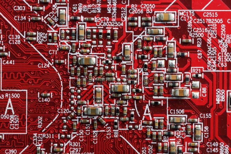 Fin électronique de carte vers le haut Processeur, puces et condensateurs images libres de droits