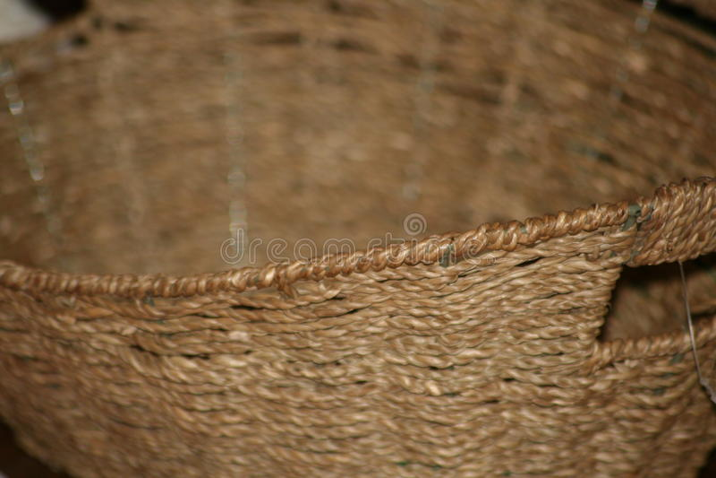 Fin bronzage de panier en osier  image libre de droits
