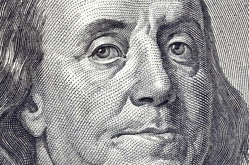 Fin d'instruction-macro de Ben Franklin vers le haut de $100 Bill photographie stock libre de droits