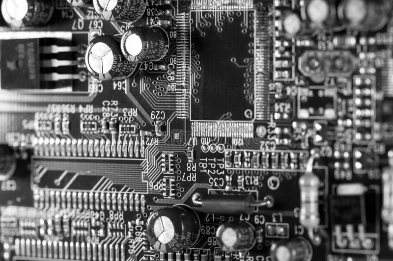 Fin de carte d'ordinateur vers le haut de macro tir, image monochrome images libres de droits