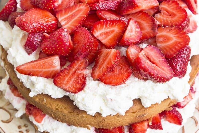 Fin de gâteau au fromage de fraises  photo stock