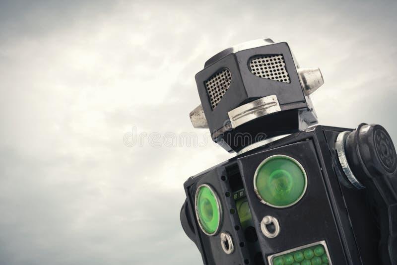 Fin de jouet de robot vers le haut photographie stock