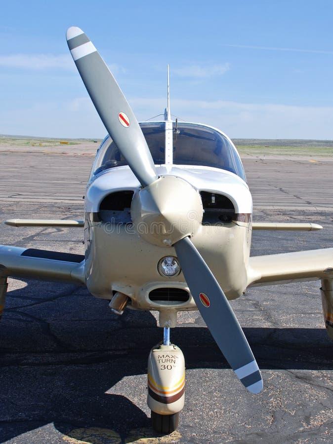 Fin de nez de propulseur et d'avion vers le haut images libres de droits