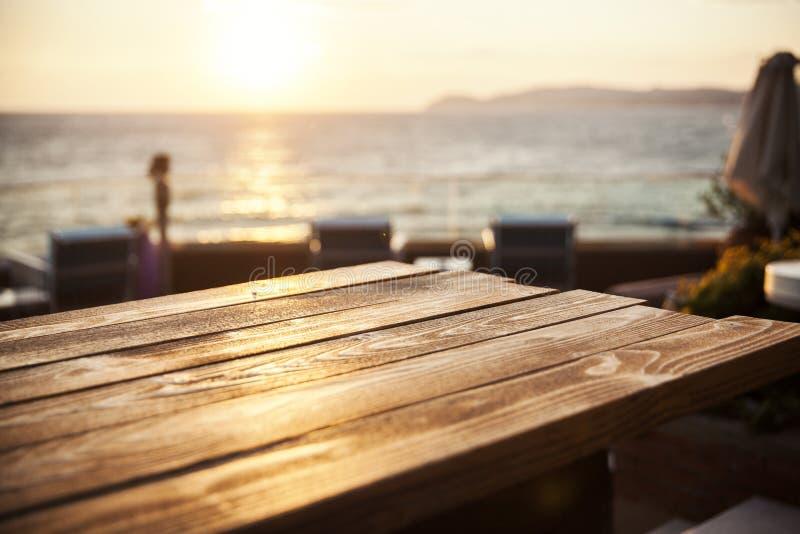 Fin en bois de table  photo libre de droits