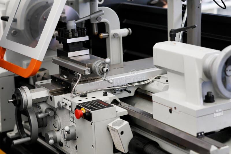 Fin industrielle de machine de tour en métal  photographie stock libre de droits