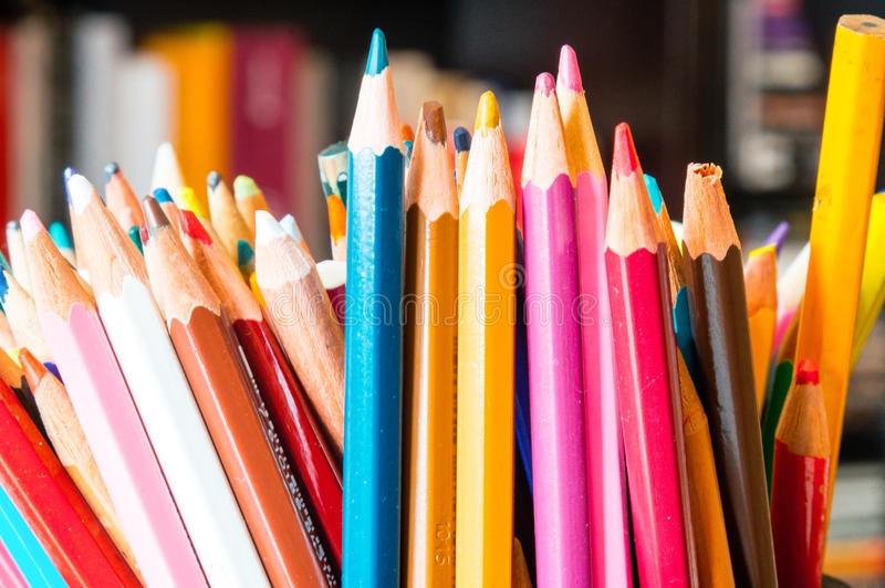 Fin multicolore de crayon  photographie stock