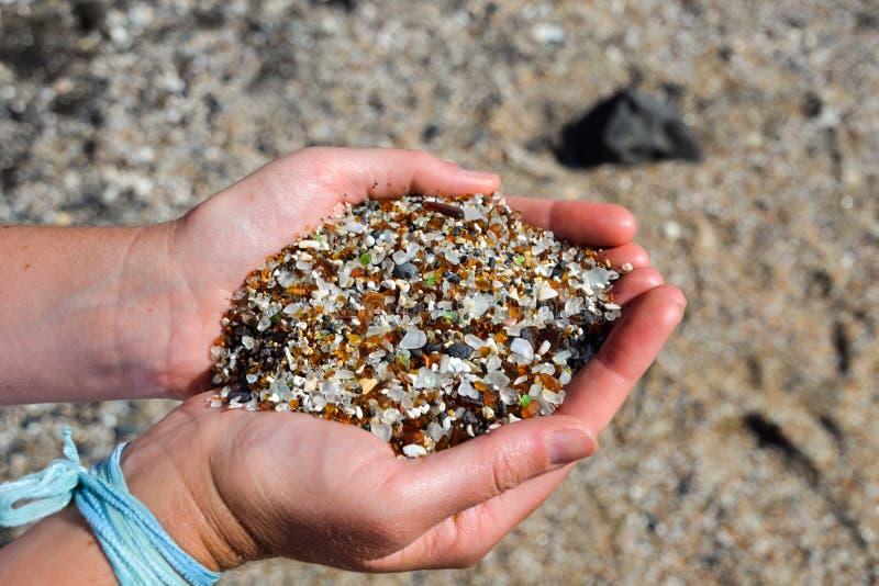 Fin - sable sur la plage en verre - Hanapepe, Kauai photographie stock