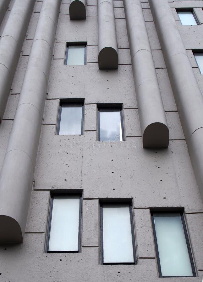 Fin vers le haut des détails architecturaux du bâtiment de Roger Stevens un bâtiment de brutalist des années 1960 à l'université  images stock