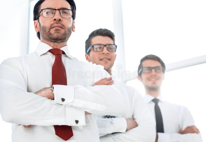 Fin vers le haut Un groupe de gens d'affaires confiant photographie stock