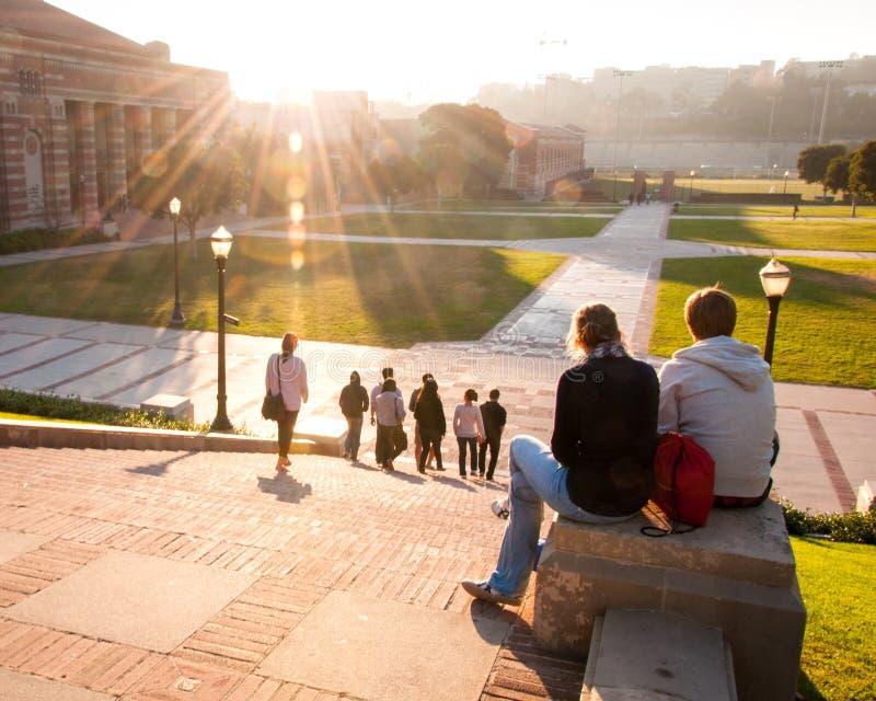 Final del día en el campus del UCLA imágenes de archivo libres de regalías