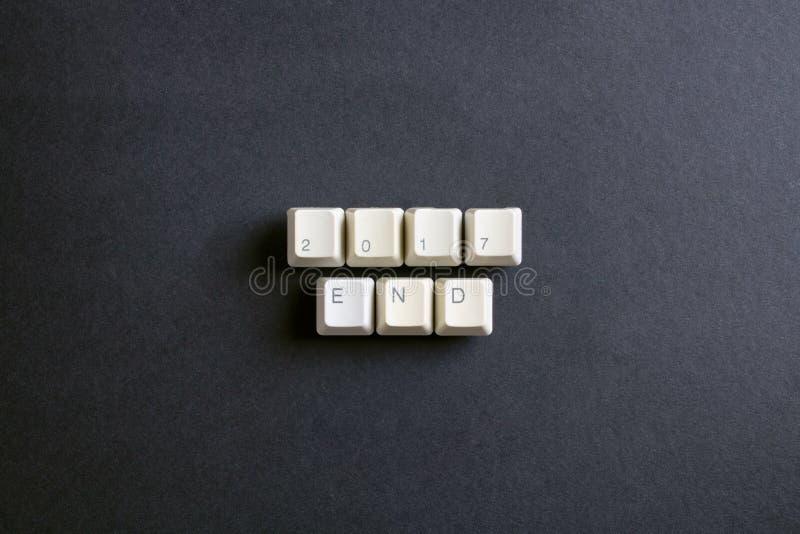 Final do ano 2017 Opinião lisa da configuração de cima na chave de teclado do computador fotografia de stock