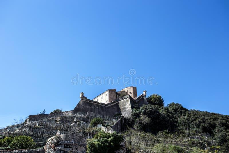 Final Ligure, Savona, Finalborgo, Liguria, Italia del castillo de Castel San Giovanni St John imagenes de archivo