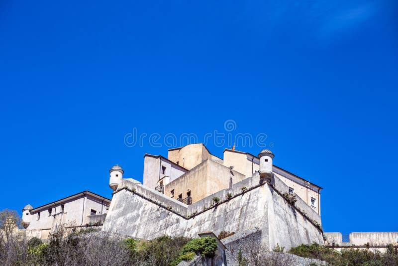 Final Ligure, Savona, Finalborgo, Liguria, Italia del castillo de Castel San Giovanni St John imágenes de archivo libres de regalías