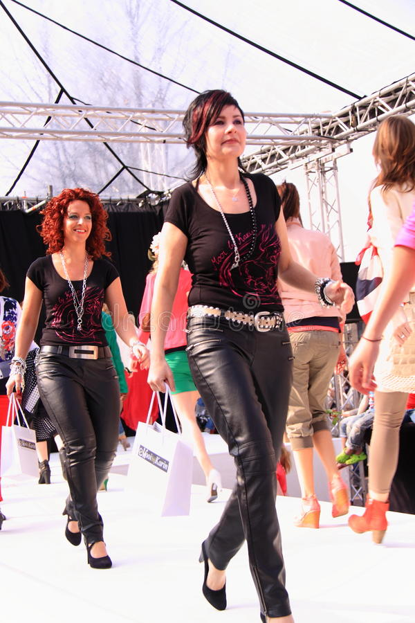 Download Final Parade Catwalk Models Editorial Photography - Image: 24099392