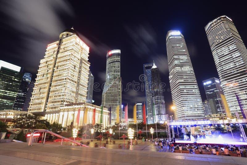 Finances de Changhaï Lujiazui et horizontal urbain de constructions de ville images libres de droits