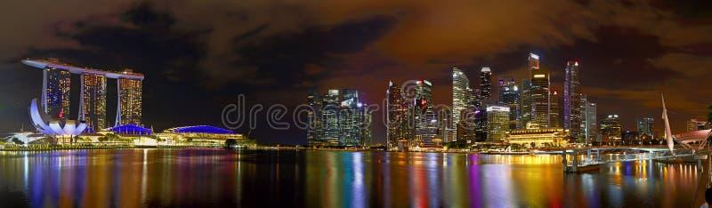 Financiële het districtshorizon van Singapore bij de Jachthavenbaai van Singapore stock foto's