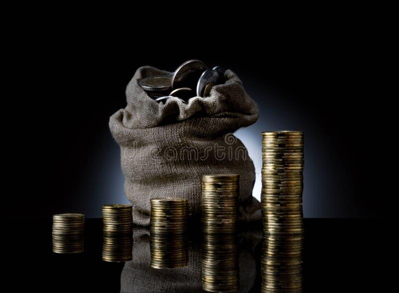 Financiën abstracte zwarte achtergrond Abstracte grafiek bij achtergrond van financiële aantallen en grafiek Financiële stad New  royalty-vrije stock foto