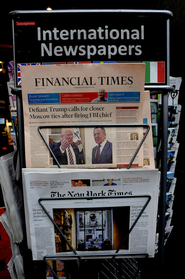 FINANCIAL TIMES EN DE NEW YORK TIMES-KRANTEN royalty-vrije stock fotografie