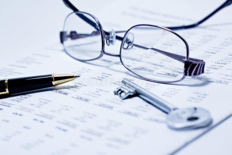 Finansiell analys fotografering för bildbyråer