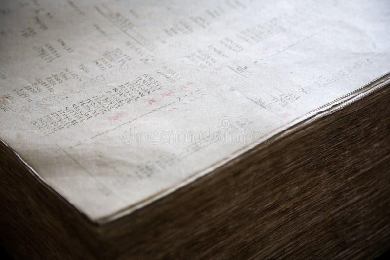 finansiell gammal rapport royaltyfria bilder