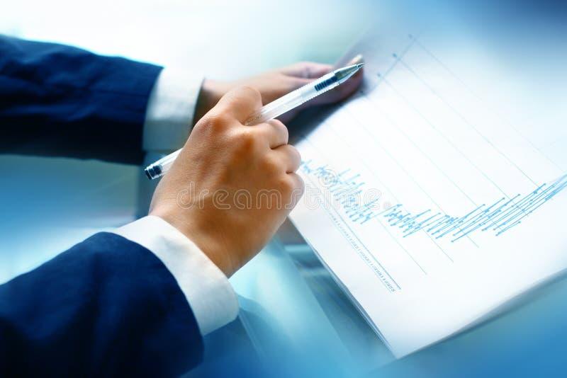 finansiell läst rapport royaltyfri fotografi