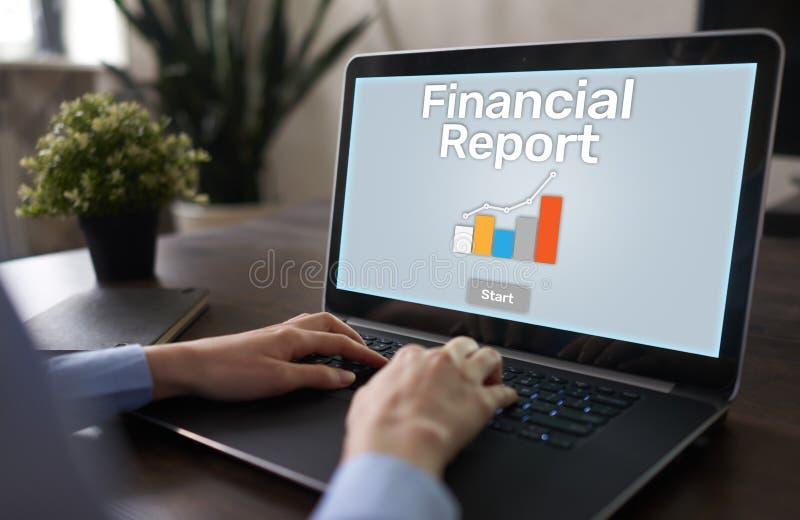 Finansiell rapport med grafen Aktiemarknadhandel, redovisning och affärsidé royaltyfri bild