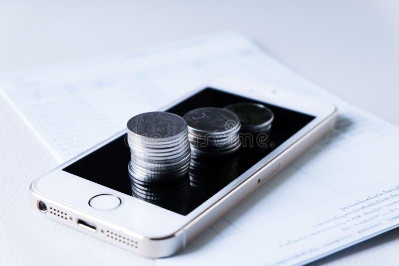 Finansiella och teknologitransaktioner royaltyfri foto