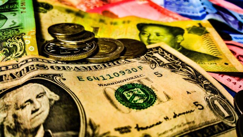 Finansiella valutor för värld arkivfoton
