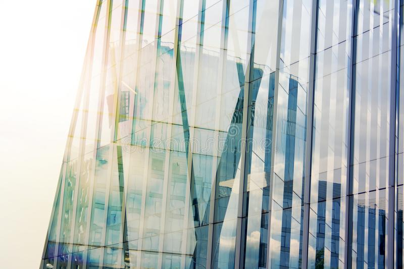 Finansowy biznesowy korporacyjny budynek Nowożytny drapacza chmur blure cześć technika tło Niski szeroki kąt Obiektywu raca obraz stock