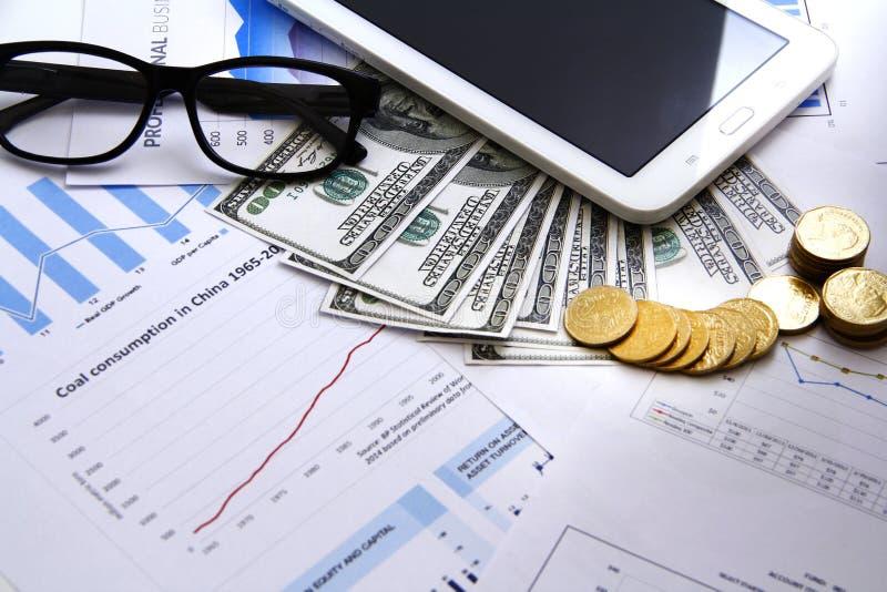 Finansowy pojęcie pieniądze, mapa, moneta, fotografia royalty free