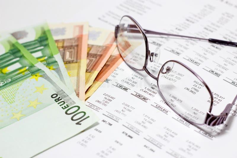 Finansrapport royaltyfria bilder