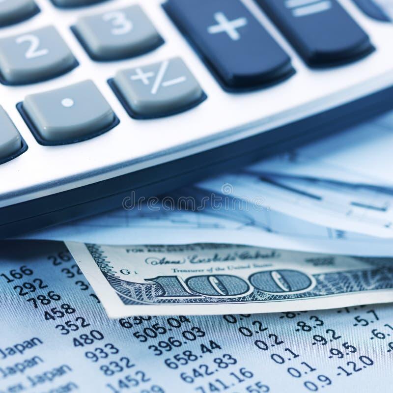 Finanzas, dinero y calculadora fotografía de archivo