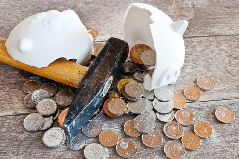 Finanzas y economía checas - hucha y dinero checo de la corona - c imagen de archivo libre de regalías