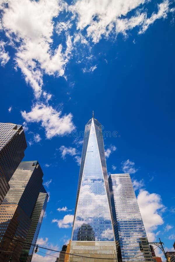 Finanzbezirk und Freedom Tower NYC lizenzfreies stockfoto