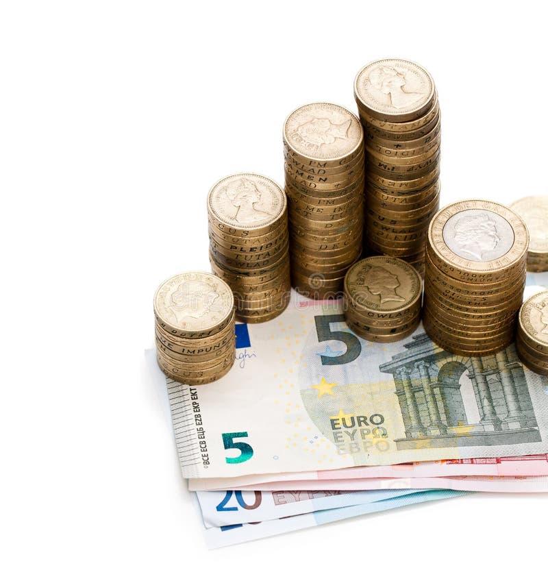 Finanzkonzept des Austauscheuros und -britischer Pfunde lokalisiert stockfotografie