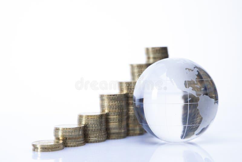 Finanzkonzept. Welt und Geld stockfotos