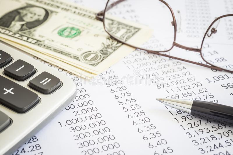 Finanzplanung und Marketing-Budget für das Erklären lizenzfreie stockbilder