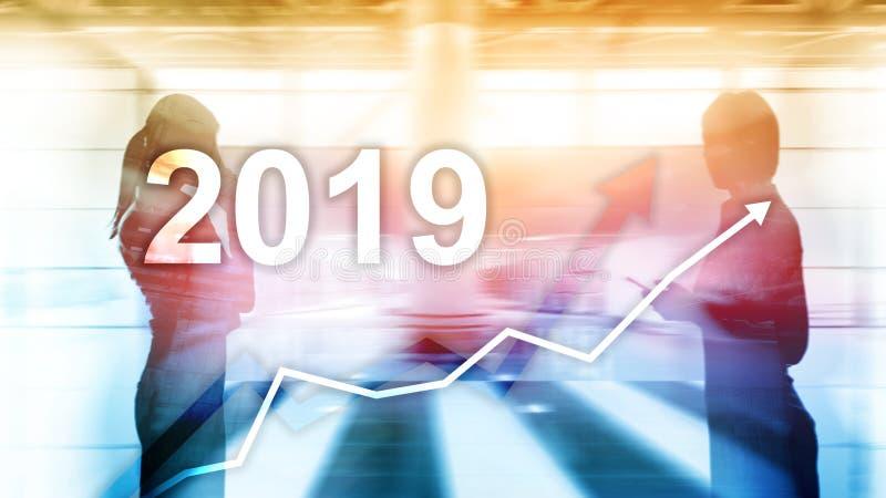Finanzwachstumsdiagramm des neuen Jahres 2019 auf undeutlichem Geschäftshintergrund stockbild